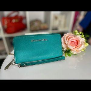 Preloved Michael Kors aqua blue wallet